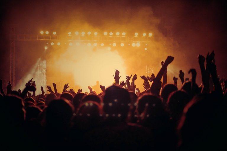 Aller dans les concerts fait plus de bien qu'écouter à la maison.